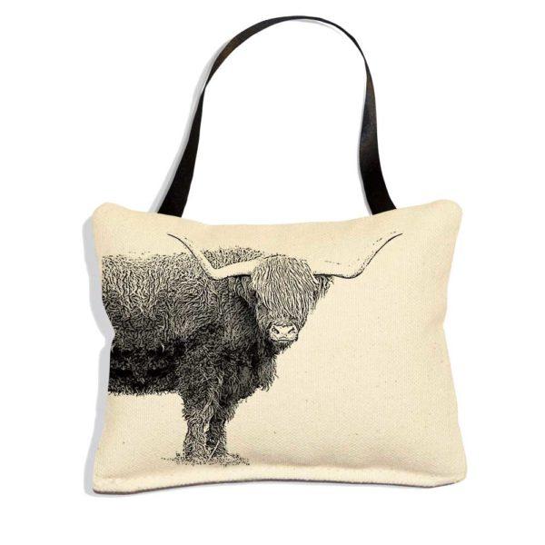 EandC_ORN_Highland-Cow_1000x1000_Product-shot-web-e1579637567778.jpg